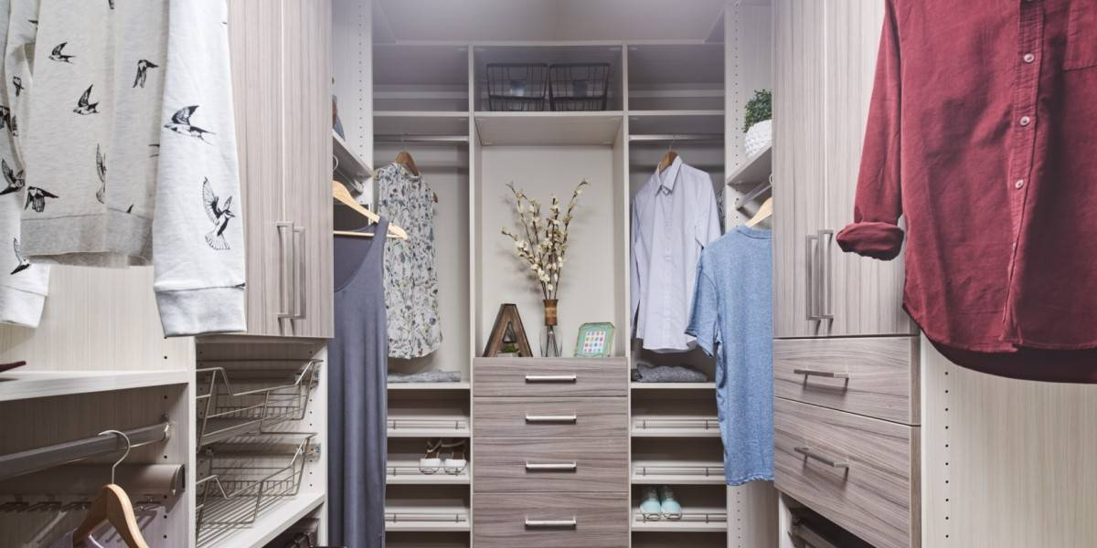 Top Shelf Closets & Glass Edmonton Showroom Entrance