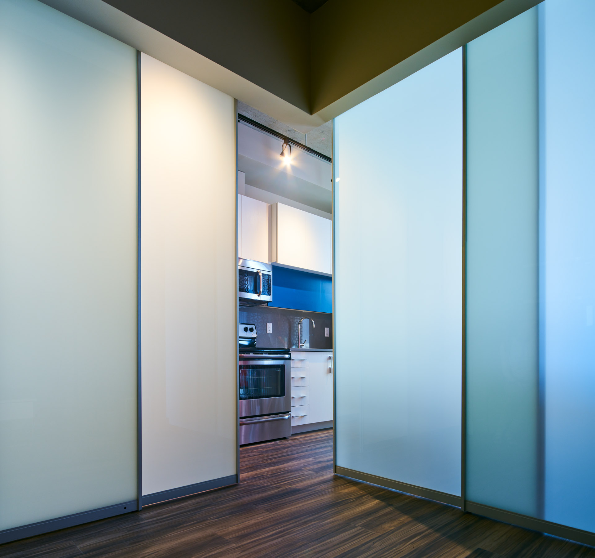 corner entry room dividers